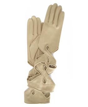 Thomasine-Gloves-NEW-YORK-glove-Dune-The-Partners-In-Crime-by-Sarvenaz-Dezvareh.jpg