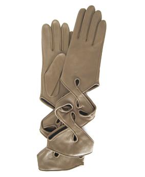 Thomasine-Gloves-NEW-YORK-glove-Taupe-The-Partners-In-Crime-by-Sarvenaz-Dezvareh.jpg
