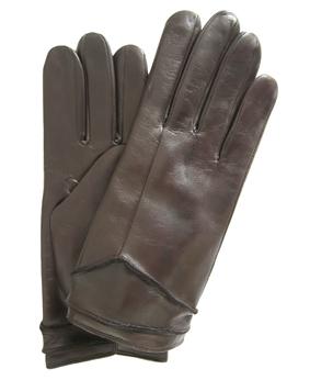 Thomasine-Gloves-HELSINKI Moka-The-Partners-In-Crime-by-Sarvenaz-Dezvareh.jpg
