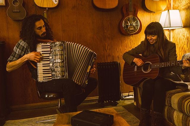 We give thanks to the gorgeous times of 2018. Time rolls along! Welcome 2019 - we look forward to the adventures that lay ahead! Thanks to @mikeeekimchi for capturing this moment recently in our studio. New sounds coming soon... Be well, be kind and have a lovely time. xx . . . . . #LawrenceandClare #Americana #folk #musicalduo #indieband #folkduo