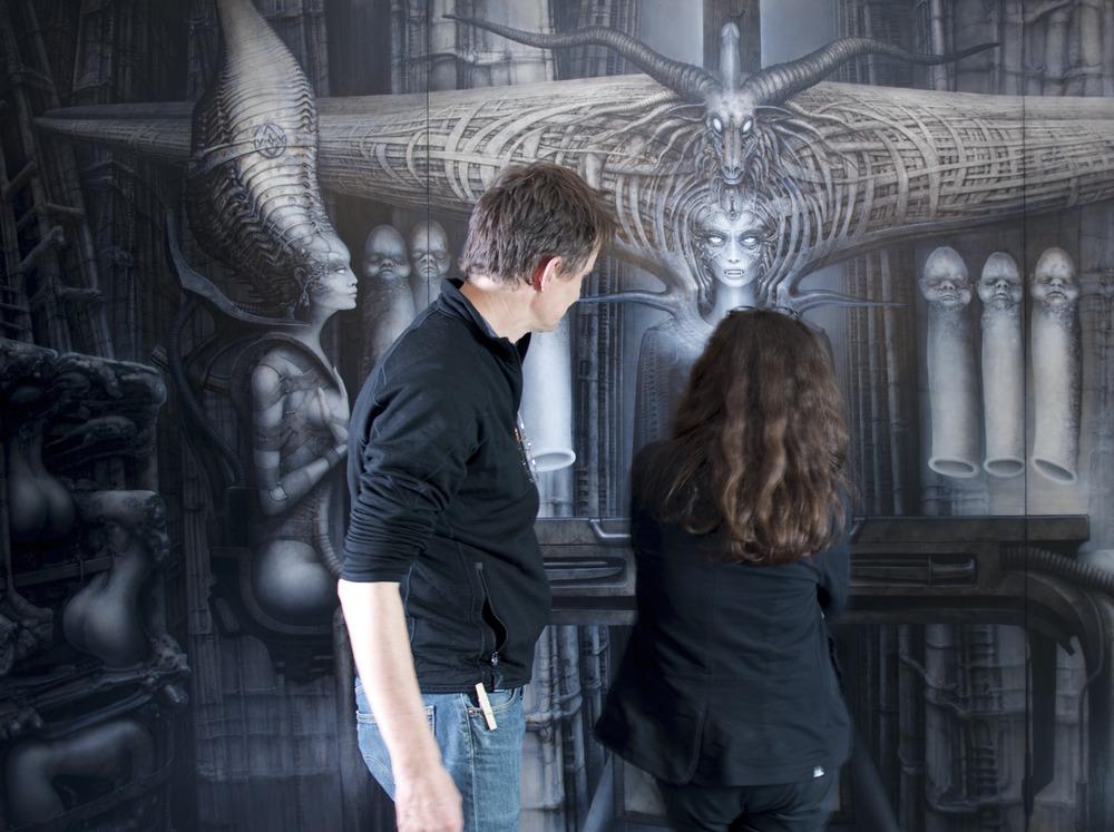Belinda und Eric vor Bild.jpg