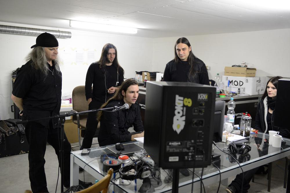 Im Bandraum von Triptykon während der Schlagzeug-Aufnahmen für das neue Album