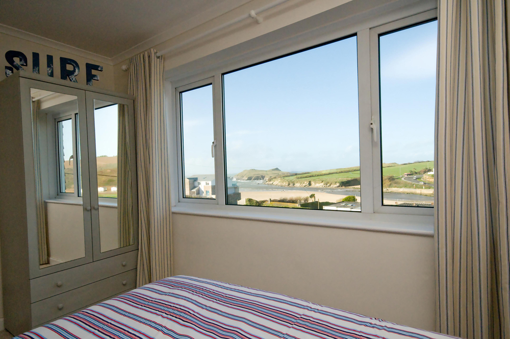 Luxury Surf and Stay at The Cove - Bedroom View