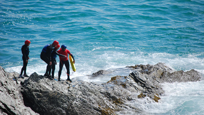 Push your own limits with a Coasteering session