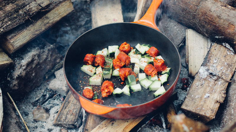 Families can find it easier to bond over activities like mealtimes in the outdoors
