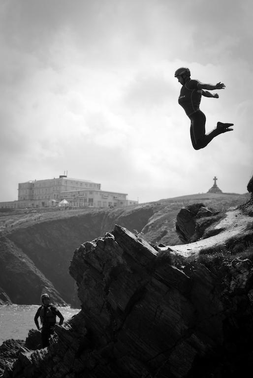 coasteering guide jumping