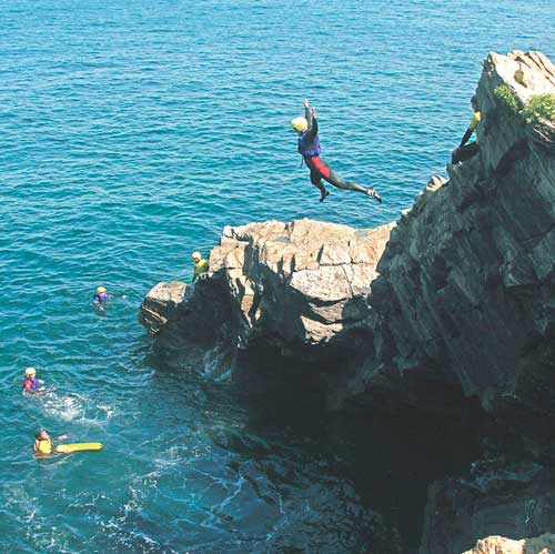coasteering in newquay cornwall