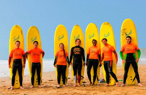 beginner-group-surfing-lesson