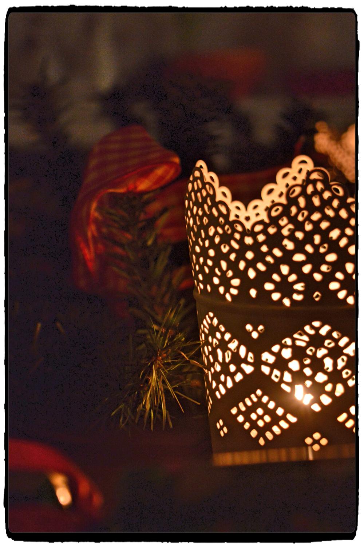 I love those lace like candleholders from Ikea