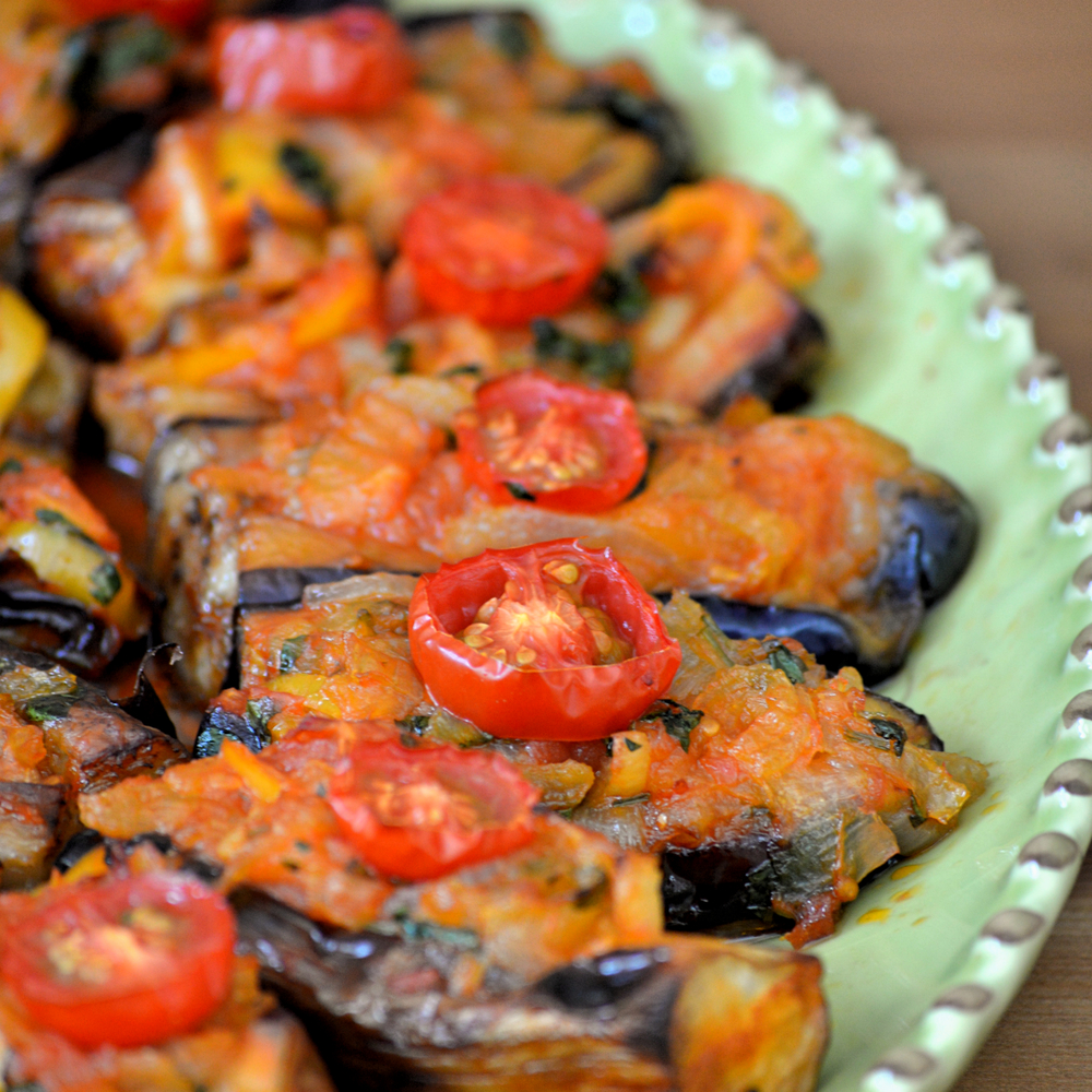 "Caramelized onions stuffed eggplants ""Imam Bayildi"""