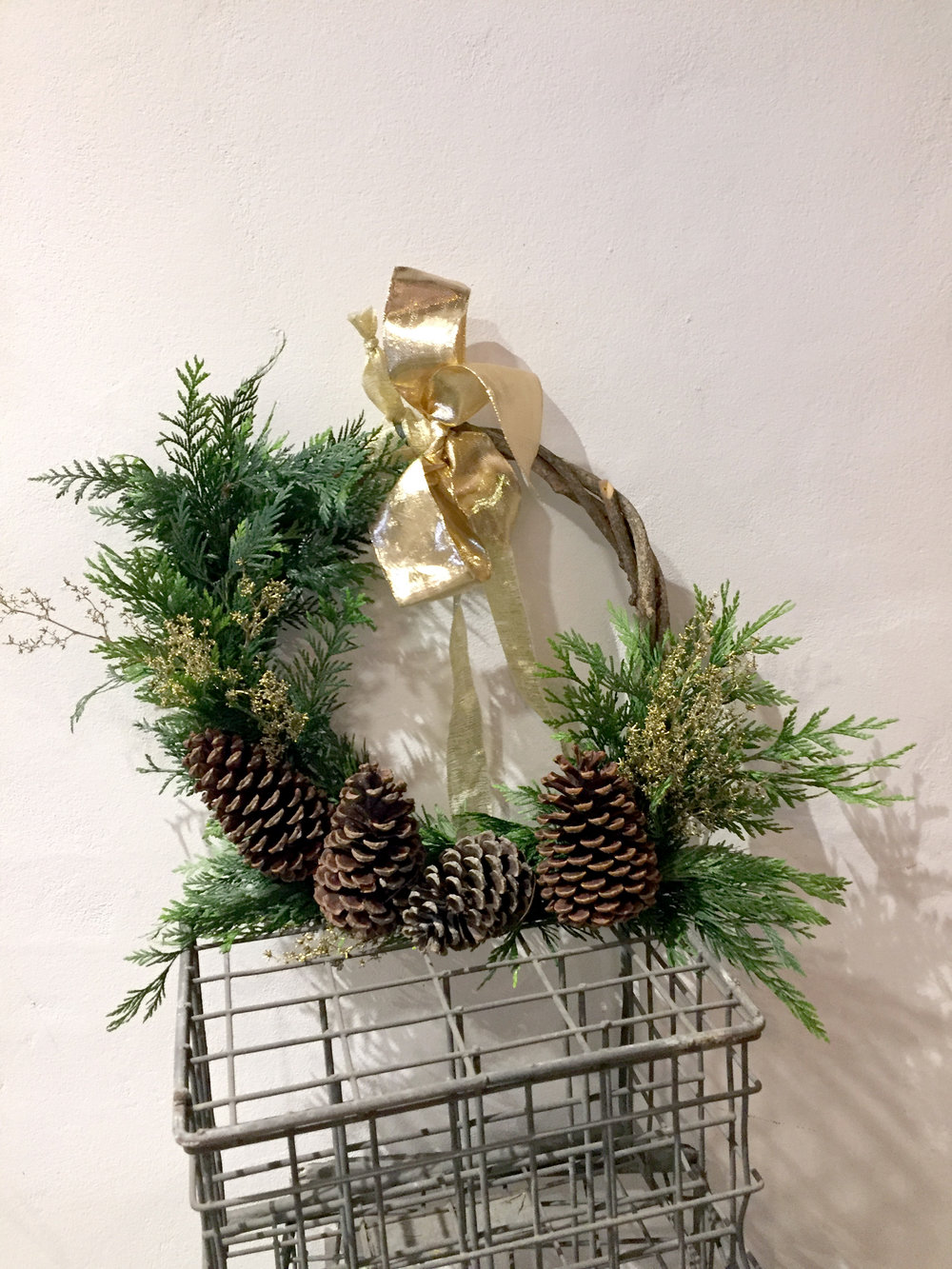 Traditional Small Wreath $65