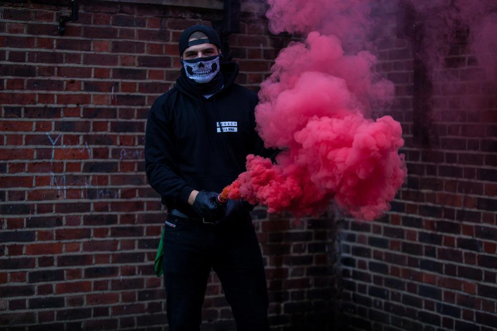 COLOURS & SMOKE