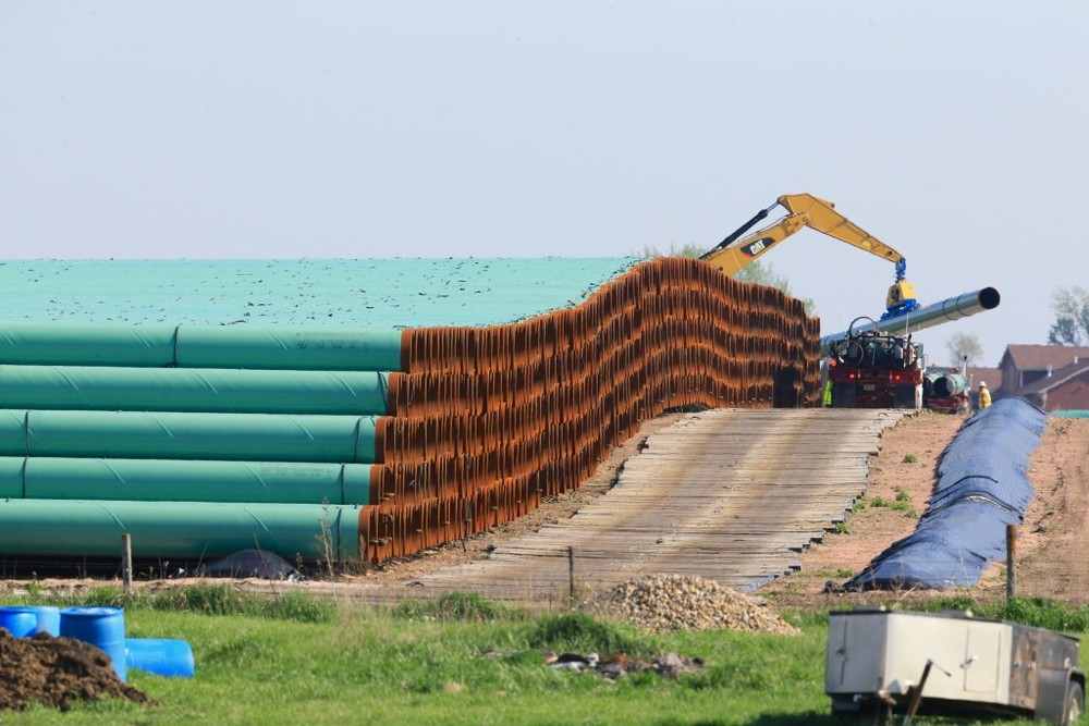 Stacked pipes for the proposed Dakota Access oil pipeline. Source: AP Images/Nati Harnik