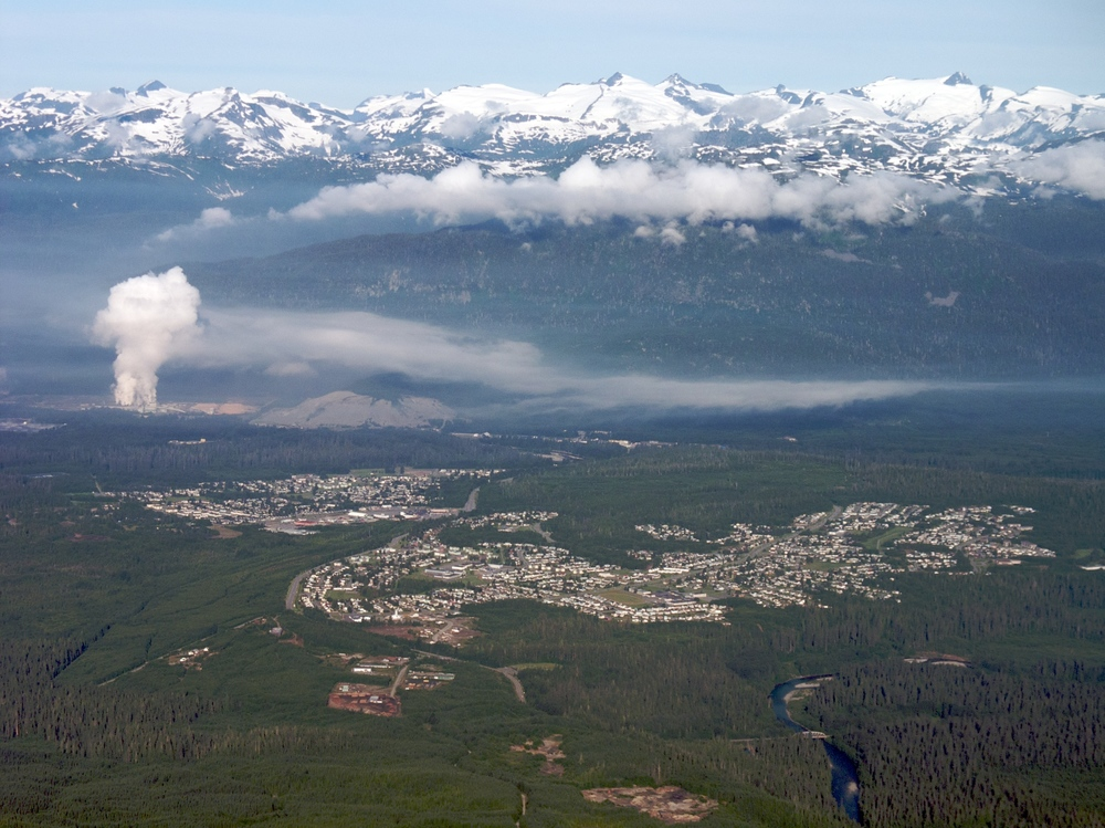 Aerial view of the city of Kitimat — in British Columbia, Canada. With the Kitimat Ranges of the Coast Mountains System rising behind. By Sam Beebe - Kitimat, CC BY 2.0, https://commons.wikimedia.org/w/index.php?curid=9445334