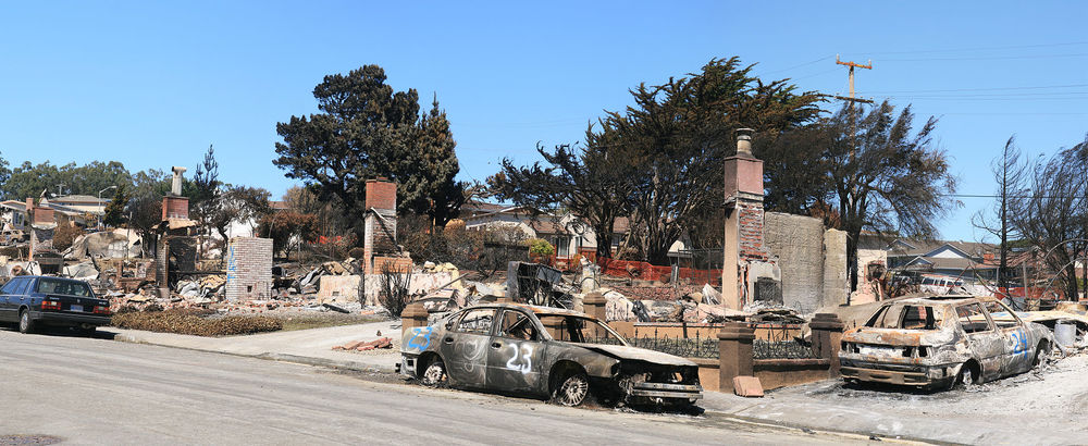 Devestation in San Bruno, California caused by a gas pipeline explosion, 2010 By Brocken Inaglory - Own work, CC BY-SA 3.0, https://commons.wikimedia.org/w/index.php?curid=11489206