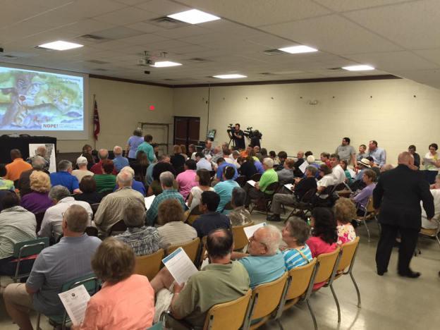 A Neighbors Opposing Pipeline Extension ( NOPE! ) meeting in Cincinnati Ohio (Photo:Carrie Blackmore Smith, Cincinnati Enquirer)