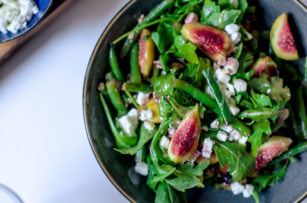 fig & feta salad with arugula and balsamic