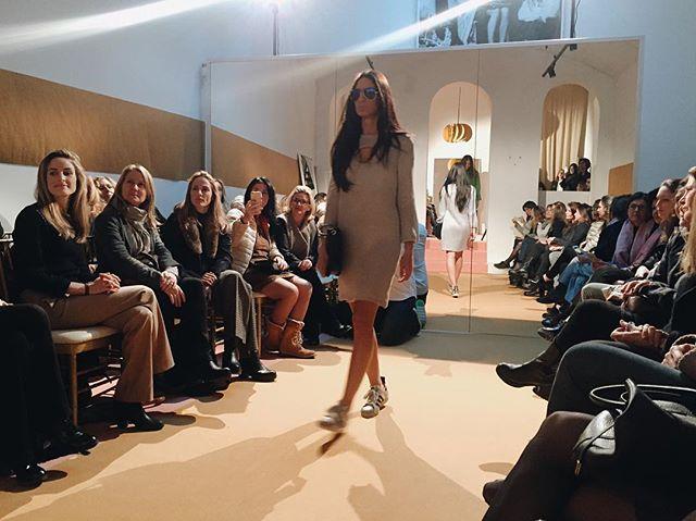 Muy 🔝 la nueva colección de @gemasach.  #FashionShow #gemasachstudio  #capsule 🚀👌🏻