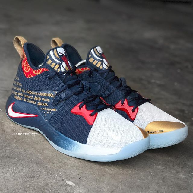 """Another shot of these 1 of 1 """"Pelicans"""" PG2s for @jrue_holiday11 peep them in action tonight for game... #doitbigger"""