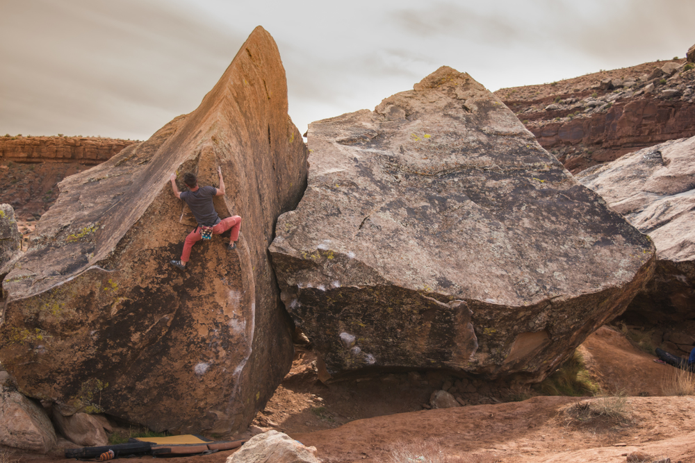 Moes Valley, Utah - The Fin V6 Photo:  Colton Packard / @cpack14