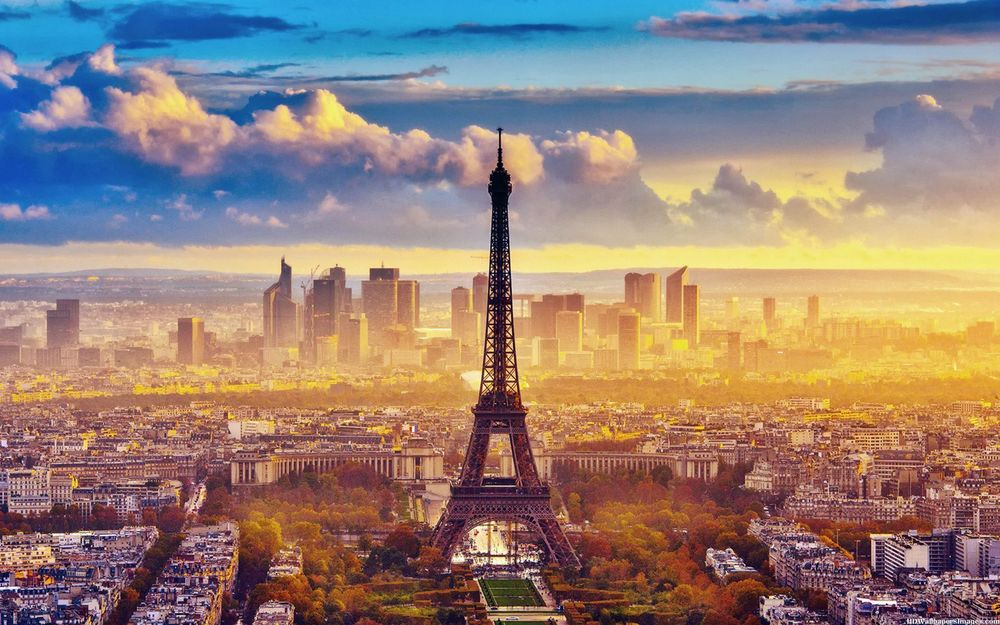 Eiffel-Tower-In-Paris-Photography-Images.jpg