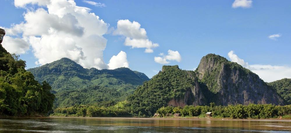Mekong_River_%2528Luang_Prabang%2529.jpg