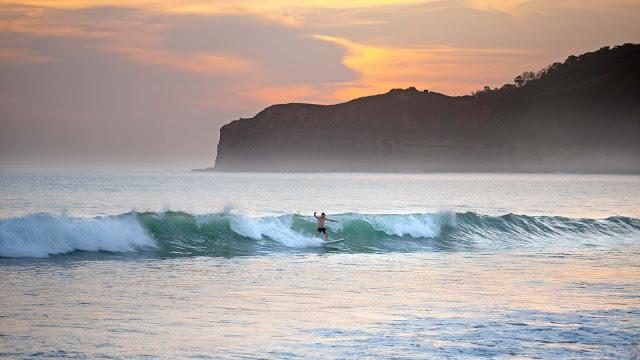 1920x1080_lifestyle_surfing_01_.jpg
