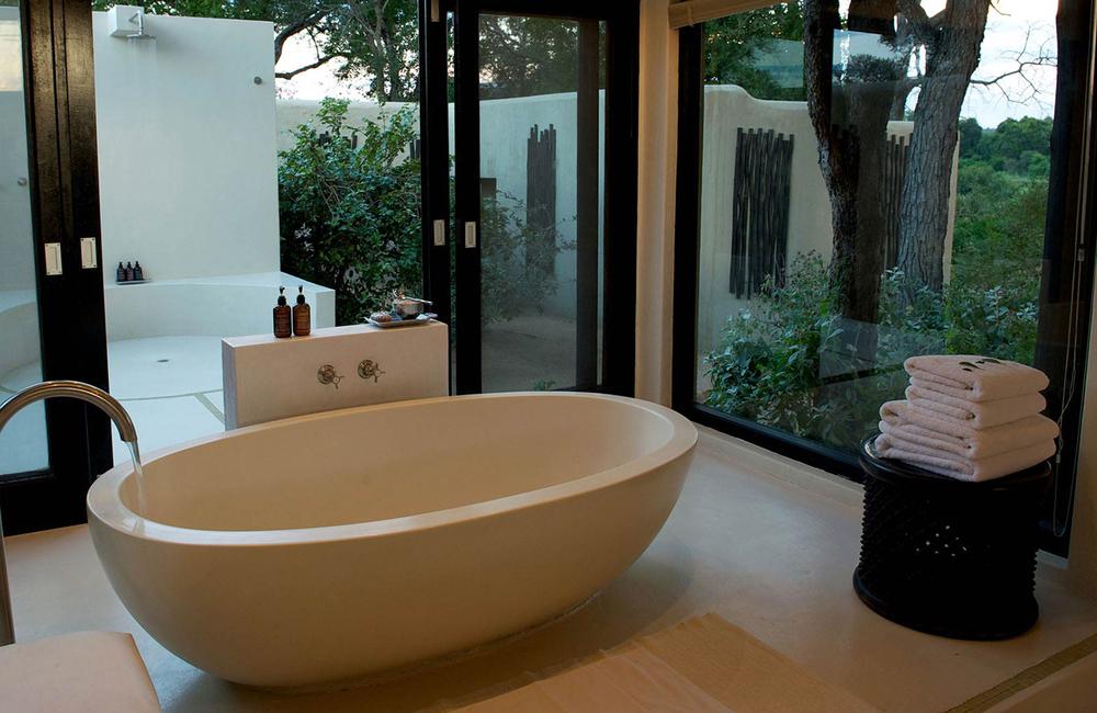 bathroom-lion-sands-ivory-lodge-sabi-sandok.jpg