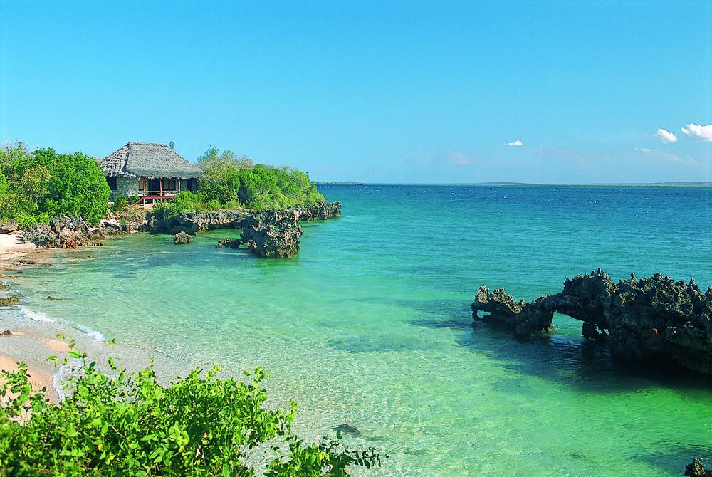 Quilalea chalet 9  beach.jpg