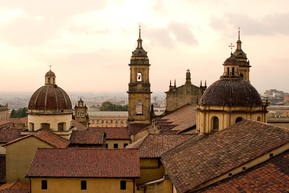 La-Candelaria-Catedral-Primada-de-Colombia.jpg