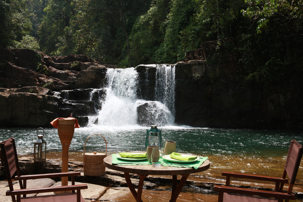 Waterfall dining 2.jpg