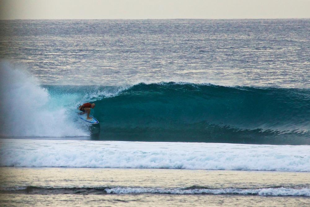 surfing-853715_1920.jpg