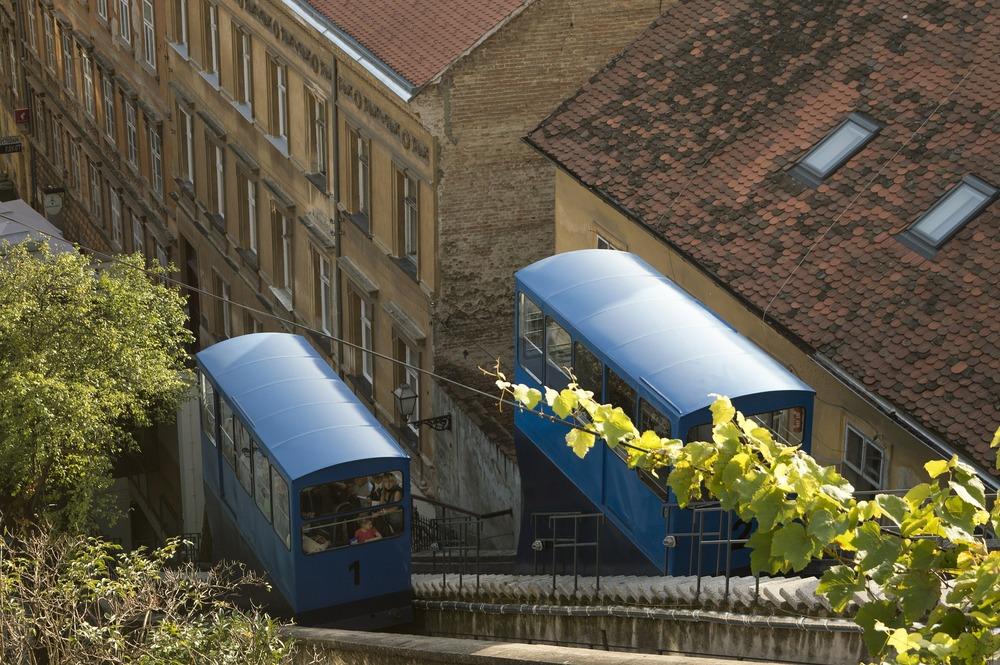 funicular-529811_1920.jpg