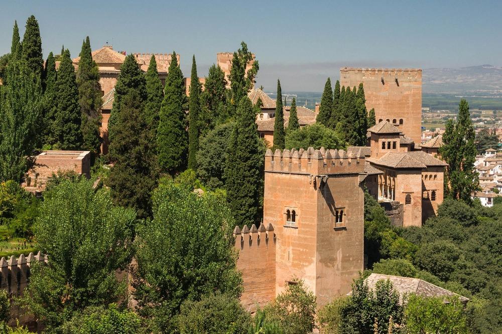 alhambra-872600_1920.jpg