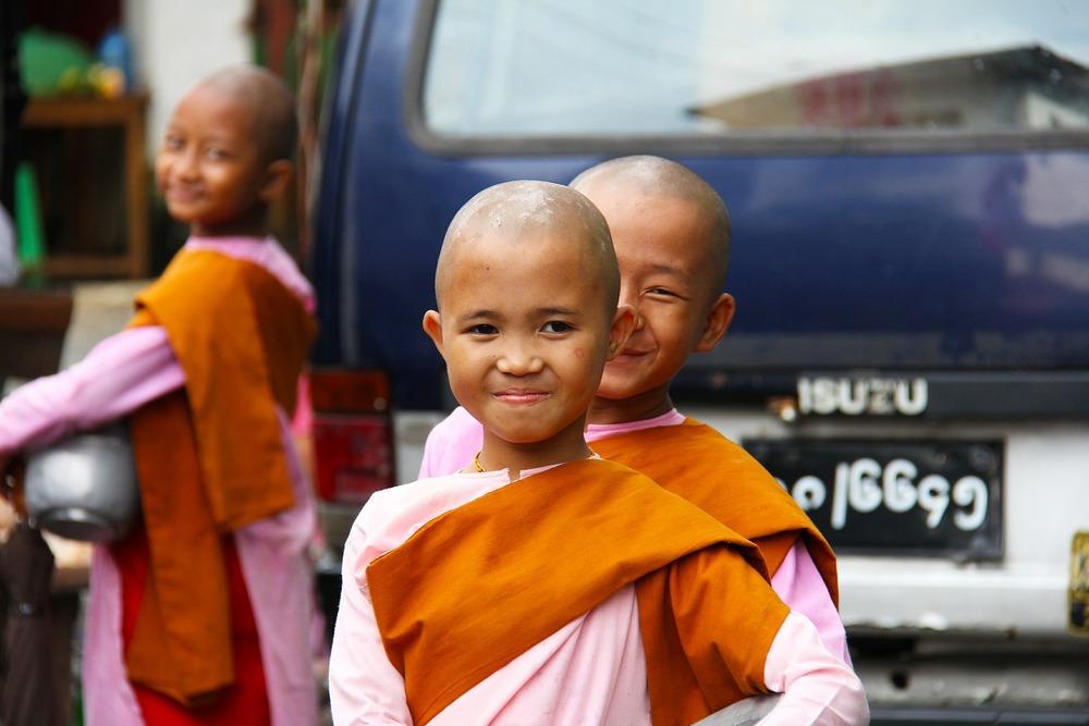 buddhist-525261_1920.jpg