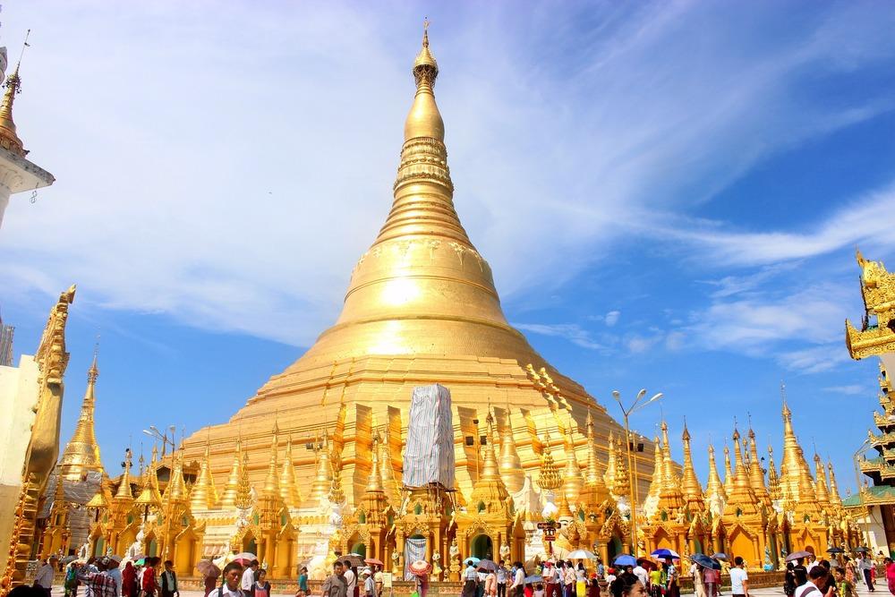shwedagon-pagoda-666763_1920.jpg