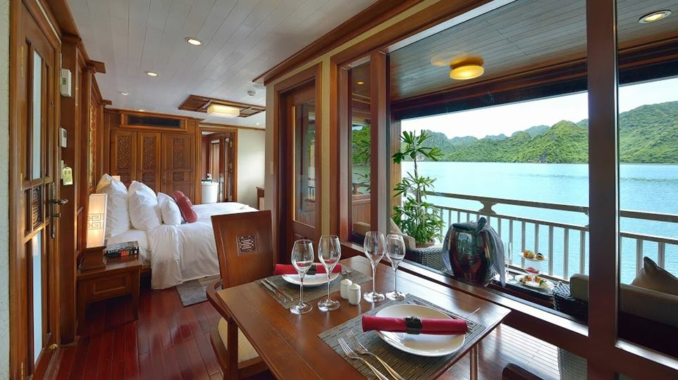 Paradise-Peak-Halong-Bay-Vietnam-Boat-cruise-11-.jpg