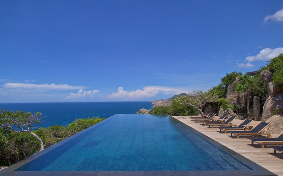 1 Noi Cliff Pool_1400x600.jpg