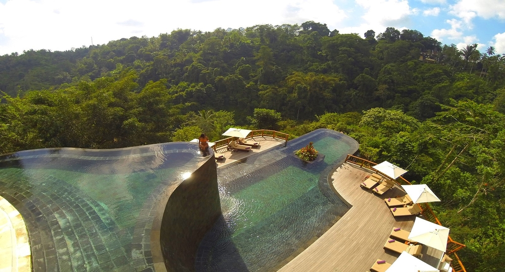 The_world_best__swimming_pool_at_Hanging_Gardens_Ubud_Bali_Background_1416983994393.jpg