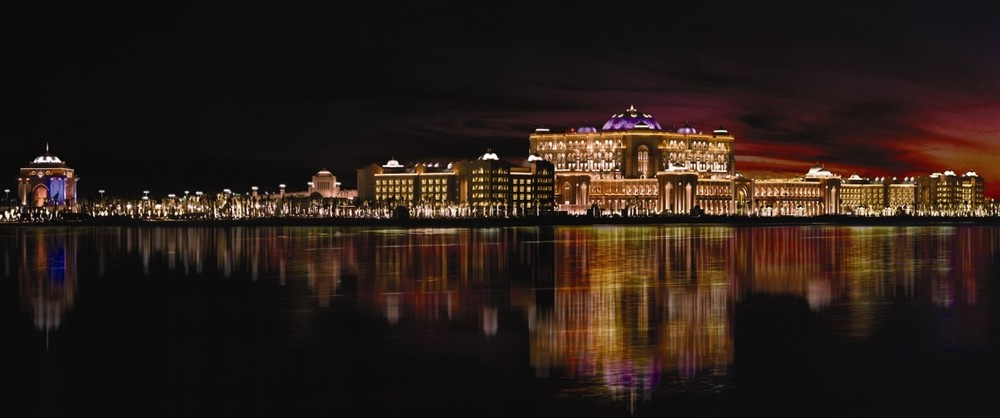 SetWidth1300-Emirates-Palace-Night-Panorama.jpg