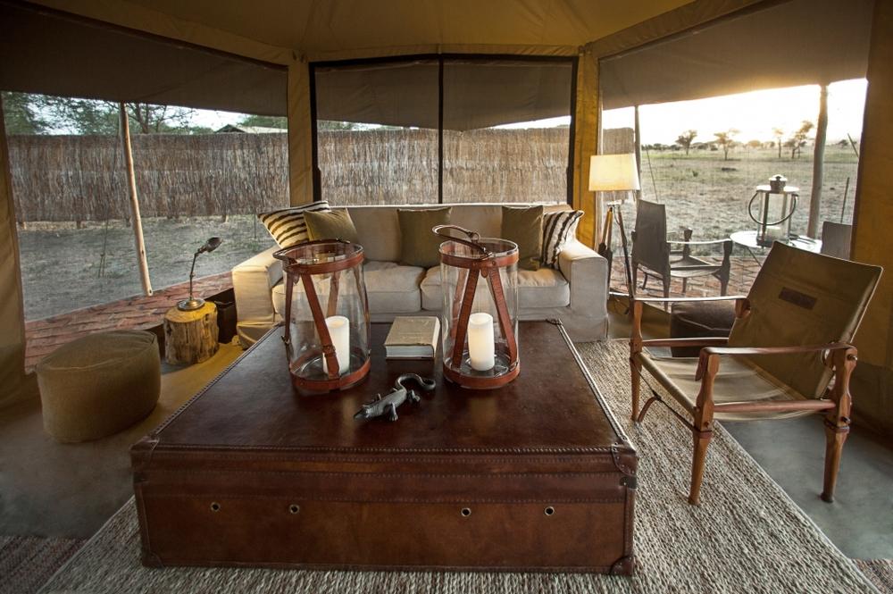 LCC-Tanzanie-Alejandragomez-Lounge-tent-3.jpg