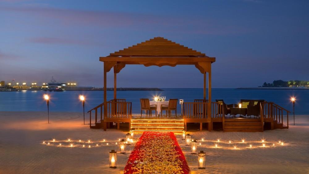 SetWidth1300-Romantic-Dining-BBQ-Al-Qasr.jpg