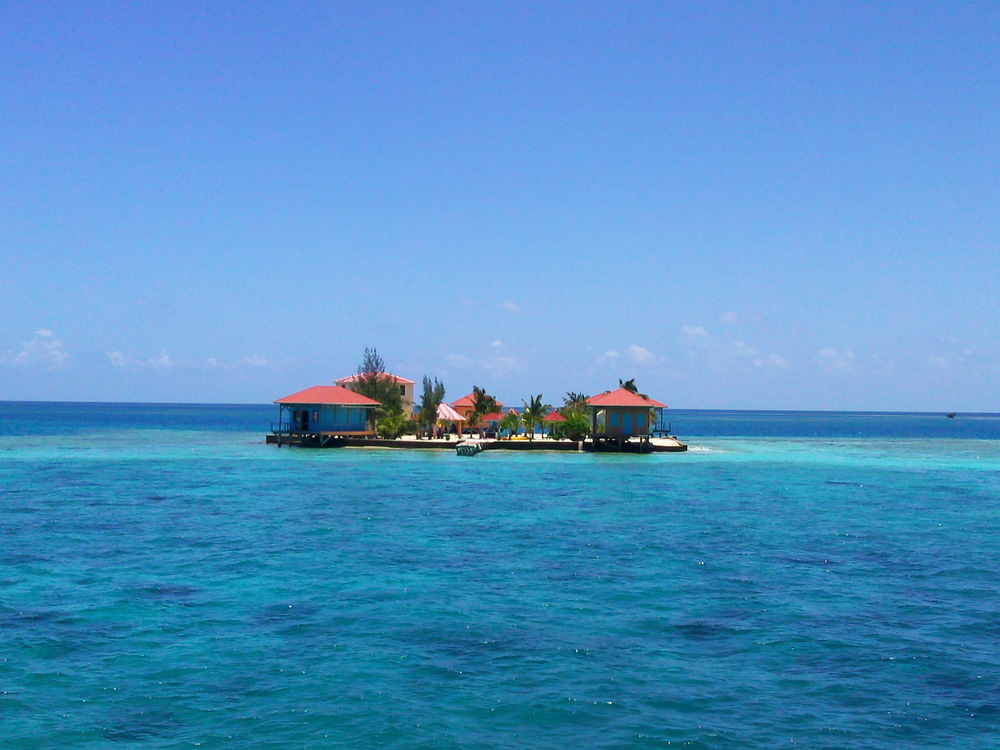 Belize - Robert's Caye.jpg