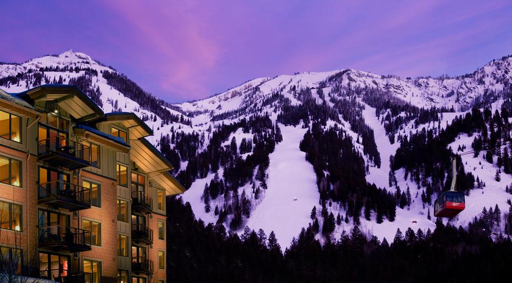 Hotel-Terra-Winter-Tram.jpg