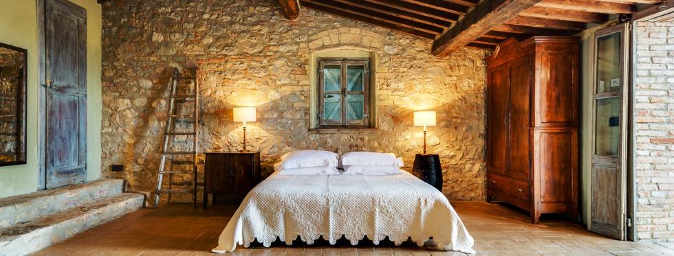 tuscany-villas-sanbarberino-bed2.jpg
