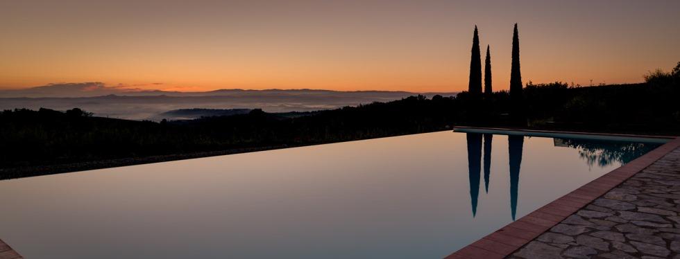 tuscany-villas-sanbarberino-dusk.jpg
