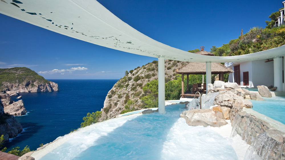 (1)hotel-hacienda-naxamena-ibiza-spa-cascadas-suspendidas4.jpg