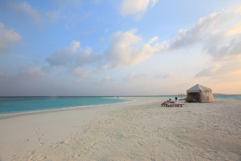 lua-de-mel Sand bank overnight experience.jpg