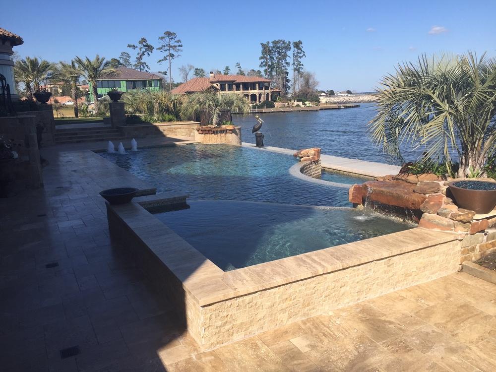 Luxury Pool On Lake Woodlands