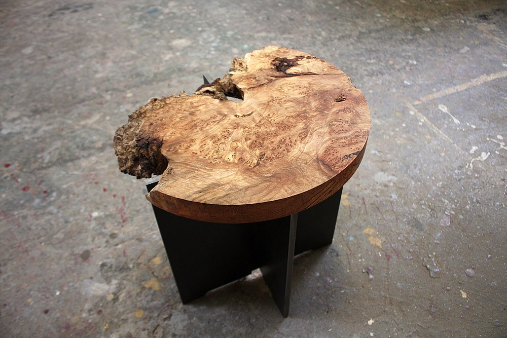 """Materials:Spalted Maple and Steel     Slab Thickness: 1.25""""     Size (  LxWxH  ): 14.25""""x13.5""""x12.75""""     Weight:34 lbs  ."""